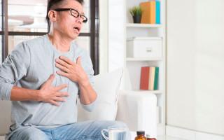 Почему возникает боль в спине и в грудной клетке?
