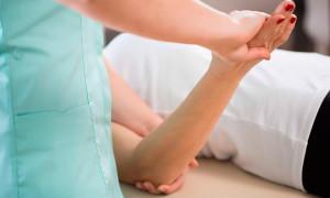 Боль в локтевом суставе — причины, виды, диагностика, лечение