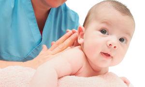 Признаки и лечение кривошеи у грудничков