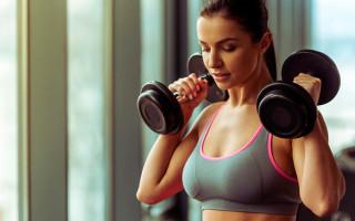 Эффективные упражнения для спины с гантелями