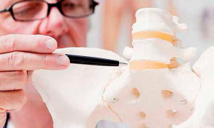 Компрессионные переломы позвоночника — причины, симптомы, лечение