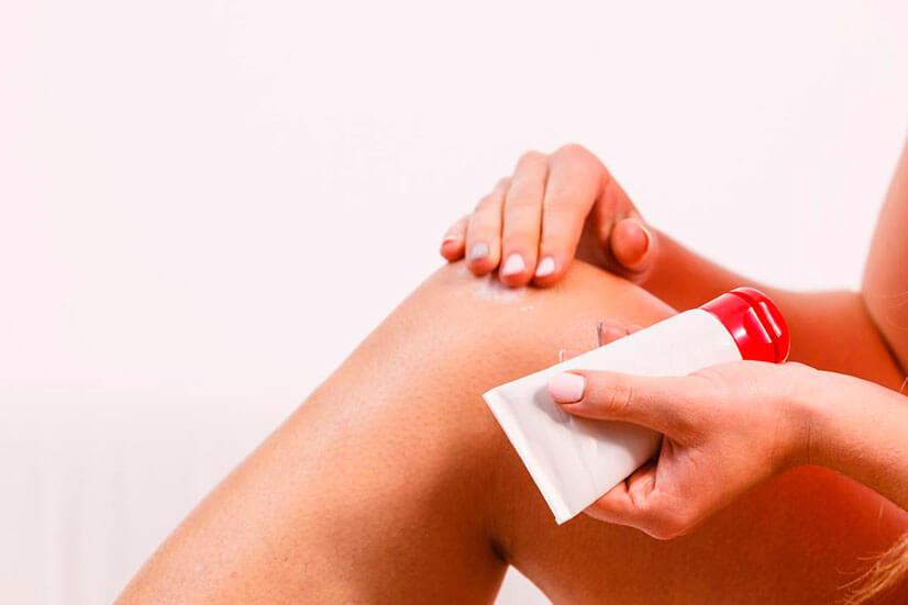 При каких заболеваниях и как применять Апизатроновую мазь?