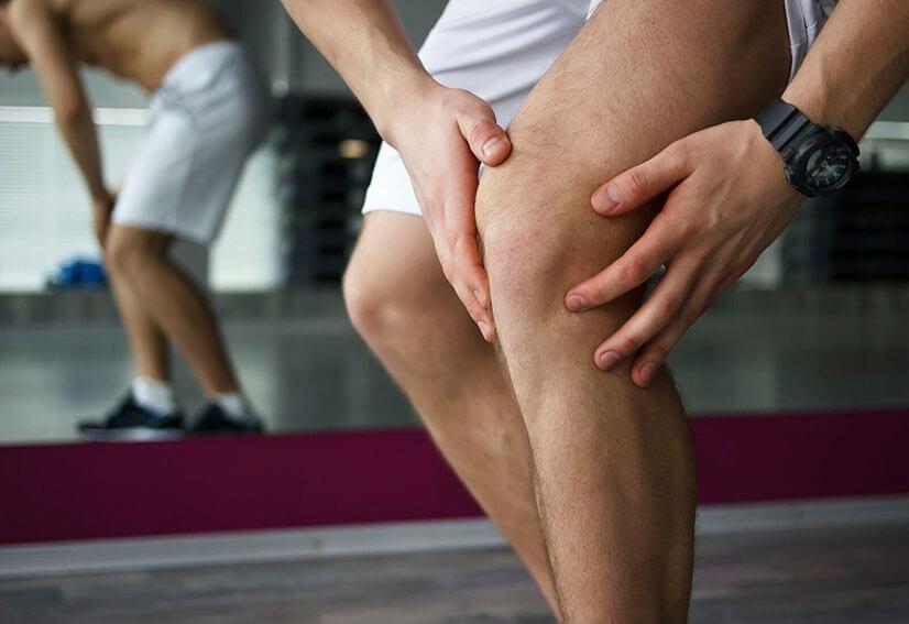 К какому врачу обратиться при болях в коленах?