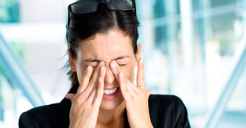 Причины и лечение боли в глазах и голове