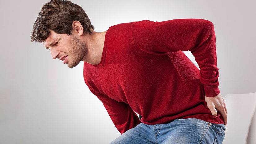 Почему возникает защемление седалищного нерва и что с этим делать?