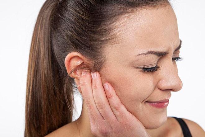 Симптоматика гула в ухе